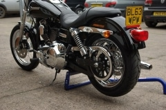 Harley wheel up in seconds