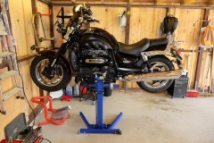 Lifting Triumph Rocket 3