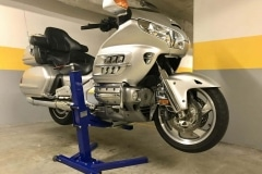 GL1800 Goldwing on Big Blue Power Lift