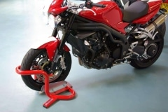 Triumph speed triple wheel chock